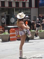 Der Cowboy am Times Square