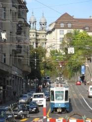 Straßenwirrwarr vom Platz Bellevue