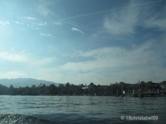 Uetliberg vom Zürichsee aus