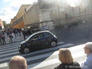 Willkommen am Vatikan! Safety first...