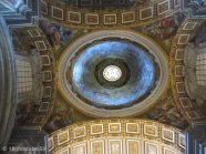 Raphael an der Decke im Petersdom