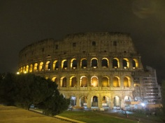 Colosseo in der Nacht