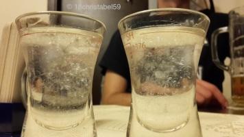 Ein Glas davon ist halb leer, nur welches?