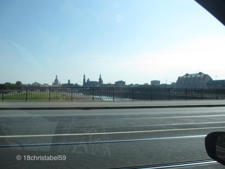 Einfahrt nach Dresden
