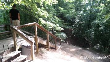 Weg zu den Clara Creek Falls